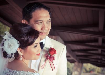bride and groom at wayfarers chapel palisades