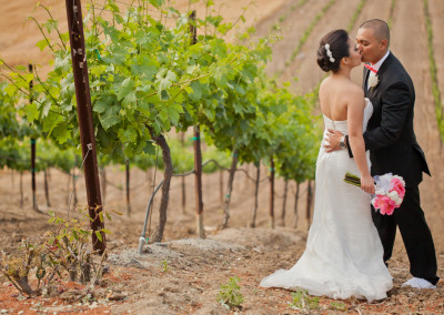 vineyard kissing